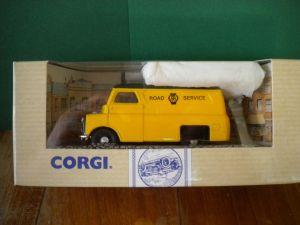 CORGI VAN - AA ROAD SERVICE