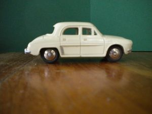 Dinky Toys renault Dauphine